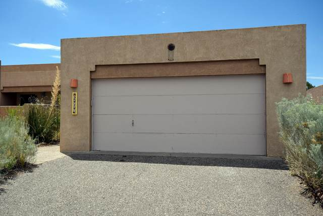 2414 Tramway Terrace Court NE, Albuquerque, NM 87122 (MLS #972414) :: Campbell & Campbell Real Estate Services