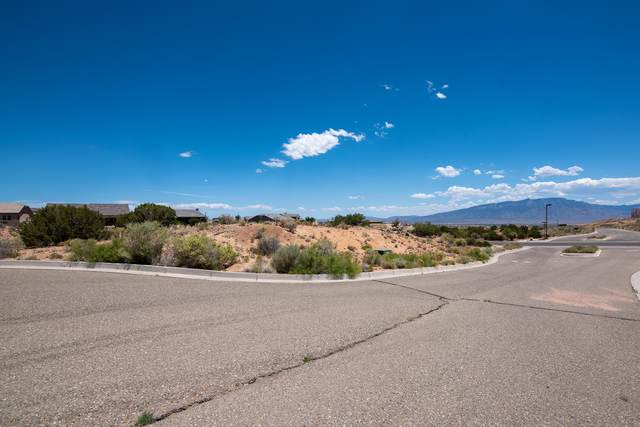 2401 Desert Marigold Road NE, Rio Rancho, NM 87144 (MLS #973006) :: The Bigelow Team / Red Fox Realty