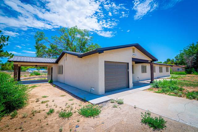 6910 Acequia Drive SW, Albuquerque, NM 87105 (MLS #973126) :: Berkshire Hathaway HomeServices Santa Fe Real Estate