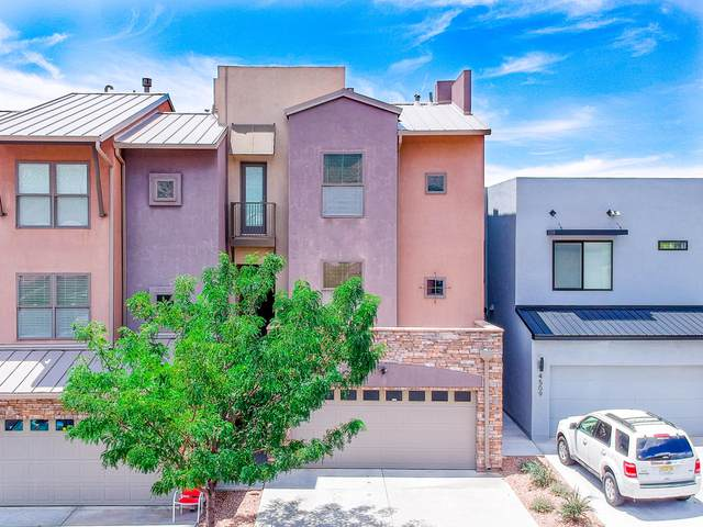 4505 Villa Loma Lane NE, Albuquerque, NM 87111 (MLS #973349) :: The Bigelow Team / Red Fox Realty