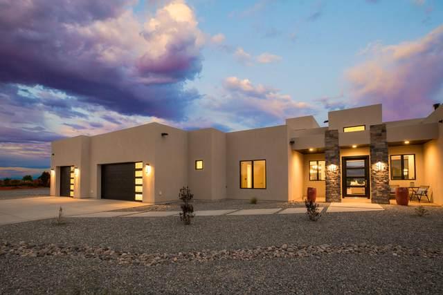 39 El Dorado Road, Corrales, NM 87048 (MLS #973407) :: The Buchman Group