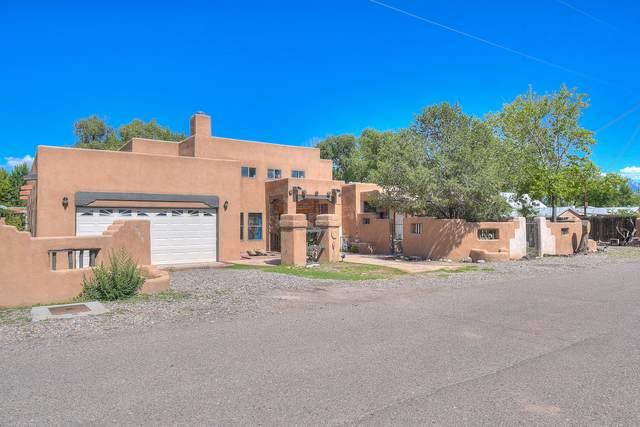 814 Artie Road NW, Albuquerque, NM 87114 (MLS #973565) :: The Buchman Group