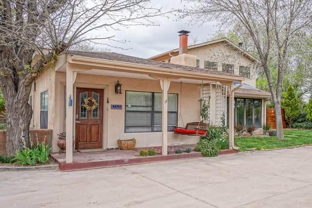 145 Leal Lane, Corrales, NM 87048 (MLS #973569) :: The Buchman Group