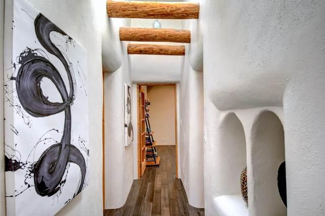 2 Calle De Los Howards, Corrales, NM 87048 (MLS #973586) :: Berkshire Hathaway HomeServices Santa Fe Real Estate