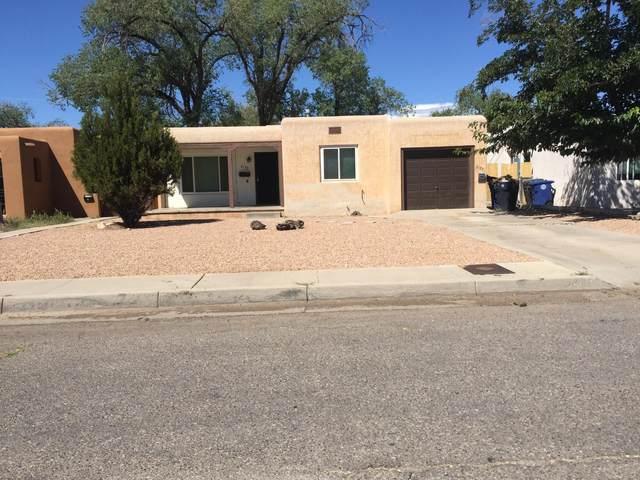 2133 Eton Avenue SE, Albuquerque, NM 87106 (MLS #973795) :: Berkshire Hathaway HomeServices Santa Fe Real Estate