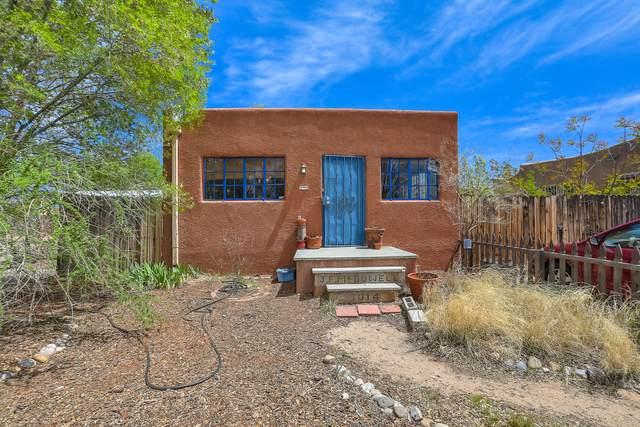 1014 Walter Street SE, Albuquerque, NM 87102 (MLS #973888) :: The Buchman Group