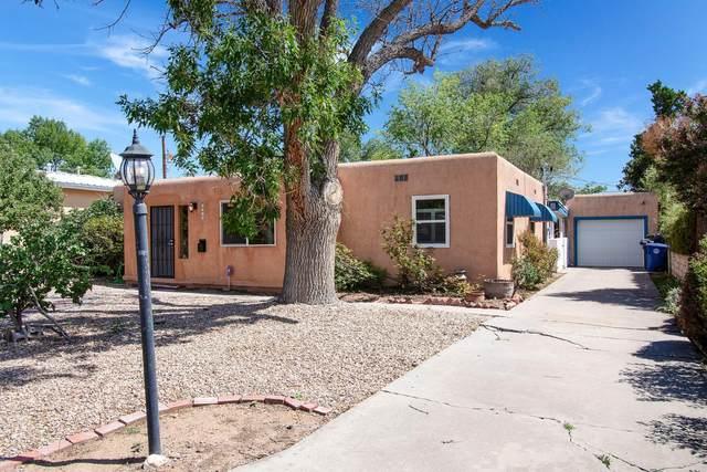 4216 Courtney Avenue NE, Albuquerque, NM 87108 (MLS #974407) :: The Buchman Group