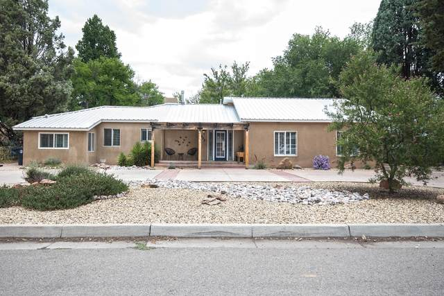 293 Alamosa Road NW, Albuquerque, NM 87107 (MLS #974416) :: Campbell & Campbell Real Estate Services