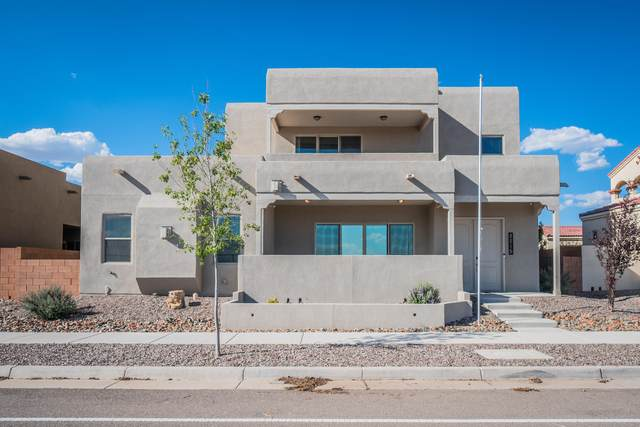 2215 Stieglitz Avenue SE, Albuquerque, NM 87106 (MLS #974509) :: Berkshire Hathaway HomeServices Santa Fe Real Estate