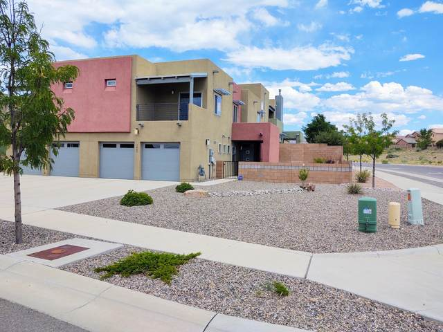 1668 Bull Lea Drive SE, Albuquerque, NM 87123 (MLS #974602) :: The Buchman Group