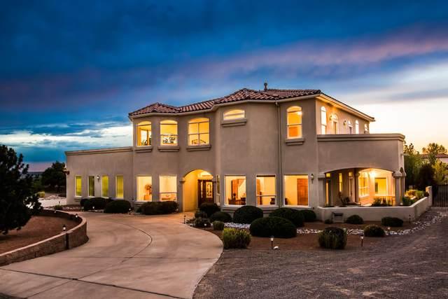 8421 Glendale Avenue NE, Albuquerque, NM 87122 (MLS #974779) :: HergGroup Albuquerque