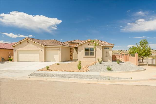 621 Tiwa Lane NE, Rio Rancho, NM 87124 (MLS #974783) :: The Buchman Group