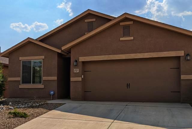 1727 Lark Drive NE, Rio Rancho, NM 87144 (MLS #975307) :: Berkshire Hathaway HomeServices Santa Fe Real Estate