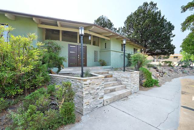 636 Running Water Circle SE, Albuquerque, NM 87123 (MLS #975796) :: The Buchman Group