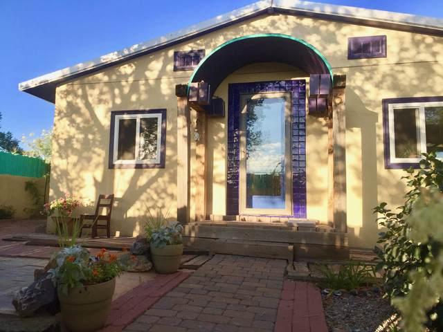 704 Elm Street, Magdalena, NM 87825 (MLS #976174) :: Keller Williams Realty