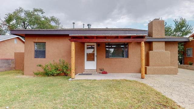 2620 Washington Street NE, Albuquerque, NM 87110 (MLS #976309) :: Berkshire Hathaway HomeServices Santa Fe Real Estate
