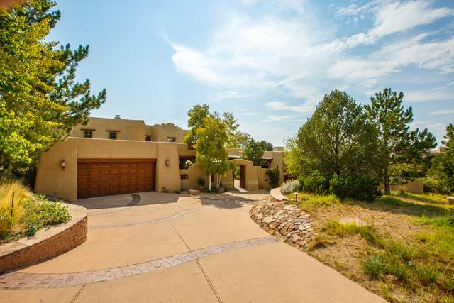6123 Buffalo Grass Court NE, Albuquerque, NM 87111 (MLS #976409) :: Berkshire Hathaway HomeServices Santa Fe Real Estate