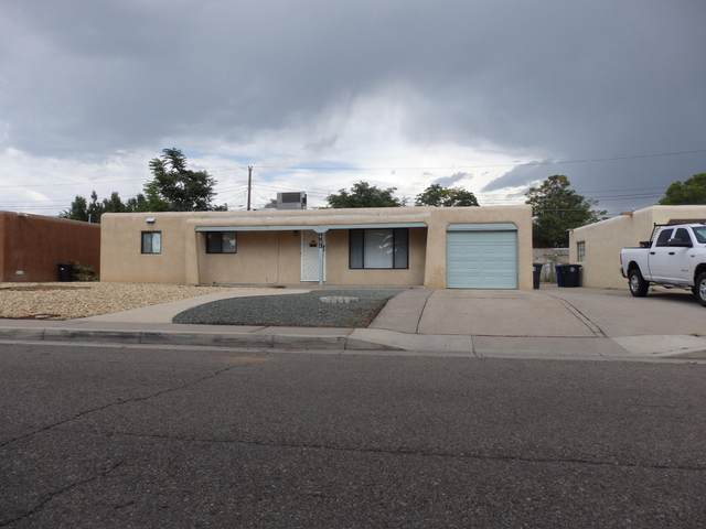 1706 Utah Street NE, Albuquerque, NM 87110 (MLS #976548) :: Berkshire Hathaway HomeServices Santa Fe Real Estate
