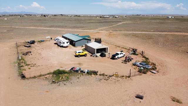 33 Palamino Loop, Moriarty, NM 87035 (MLS #976575) :: The Buchman Group