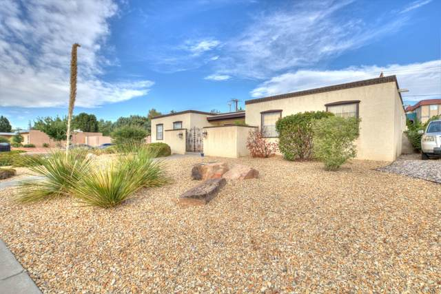 7836 Hermanson Place NE, Albuquerque, NM 87110 (MLS #976581) :: Berkshire Hathaway HomeServices Santa Fe Real Estate