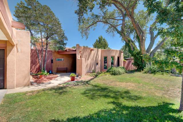 3212 Calle De Estella NW, Albuquerque, NM 87104 (MLS #976717) :: The Bigelow Team / Red Fox Realty
