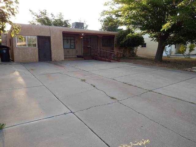 808 Georgia Street SE, Albuquerque, NM 87108 (MLS #976741) :: Berkshire Hathaway HomeServices Santa Fe Real Estate