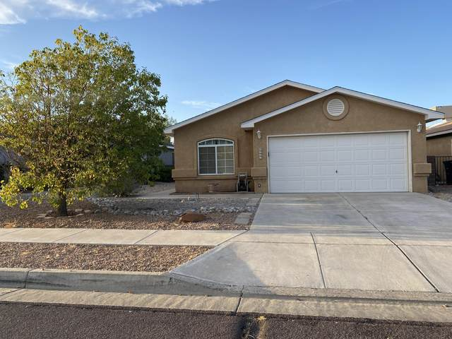 6605 Country Knoll Court NW, Albuquerque, NM 87114 (MLS #976777) :: Berkshire Hathaway HomeServices Santa Fe Real Estate
