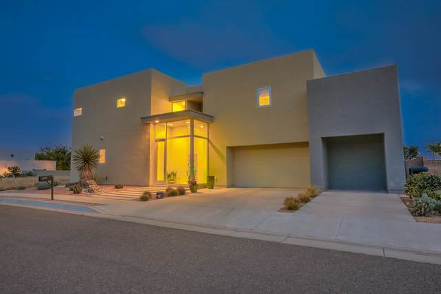 2316 Mananitas Lane NW, Albuquerque, NM 87104 (MLS #976866) :: Campbell & Campbell Real Estate Services