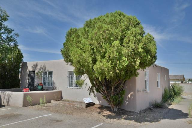 5817 Central Avenue NW, Albuquerque, NM 87105 (MLS #976995) :: The Bigelow Team / Red Fox Realty