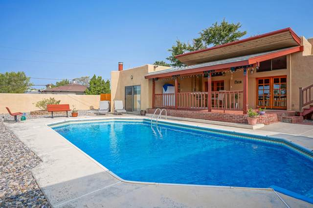 14326 Oakwood Place NE, Albuquerque, NM 87123 (MLS #977047) :: Campbell & Campbell Real Estate Services
