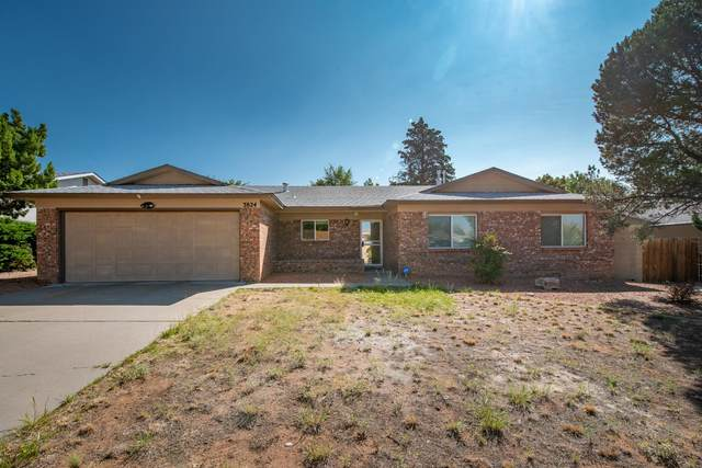 3824 La Charles Drive NE, Albuquerque, NM 87111 (MLS #977315) :: Berkshire Hathaway HomeServices Santa Fe Real Estate