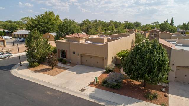 1300 Valle Lane NW, Albuquerque, NM 87107 (MLS #977332) :: Campbell & Campbell Real Estate Services