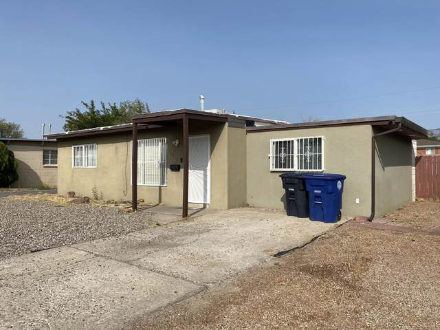 2704 Kentucky Street NE, Albuquerque, NM 87110 (MLS #977352) :: Berkshire Hathaway HomeServices Santa Fe Real Estate