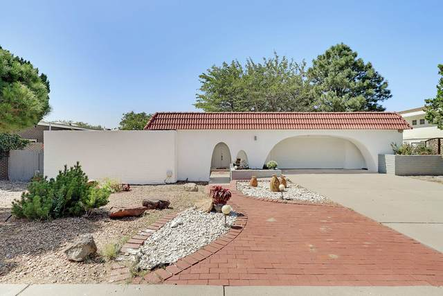 809 Wagon Train Drive SE, Albuquerque, NM 87123 (MLS #977384) :: Sandi Pressley Team