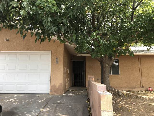 828 Eastridge Drive NE, Albuquerque, NM 87123 (MLS #977391) :: Berkshire Hathaway HomeServices Santa Fe Real Estate
