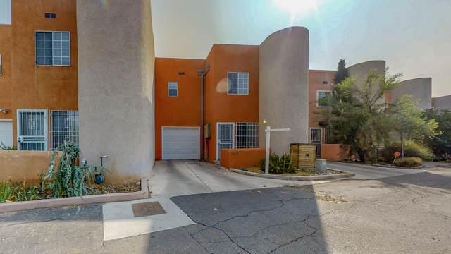 1268 Rosemont Avenue NW, Albuquerque, NM 87104 (MLS #977459) :: Sandi Pressley Team