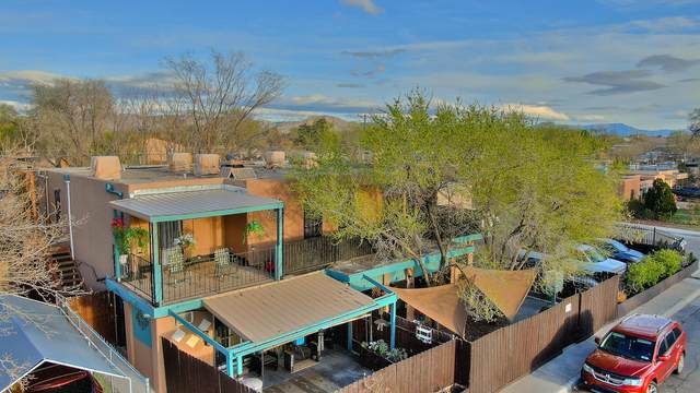202 Chama Street NE, Albuquerque, NM 87108 (MLS #977464) :: The Bigelow Team / Red Fox Realty