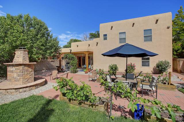 8917 Ortega Court NW, Los Ranchos, NM 87114 (MLS #977496) :: HergGroup Albuquerque