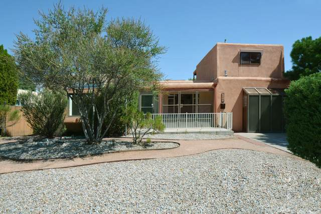 3805 Simms Avenue SE, Albuquerque, NM 87108 (MLS #977519) :: Campbell & Campbell Real Estate Services