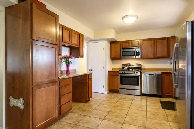 901 Carol Place NE, Albuquerque, NM 87112 (MLS #977609) :: HergGroup Albuquerque