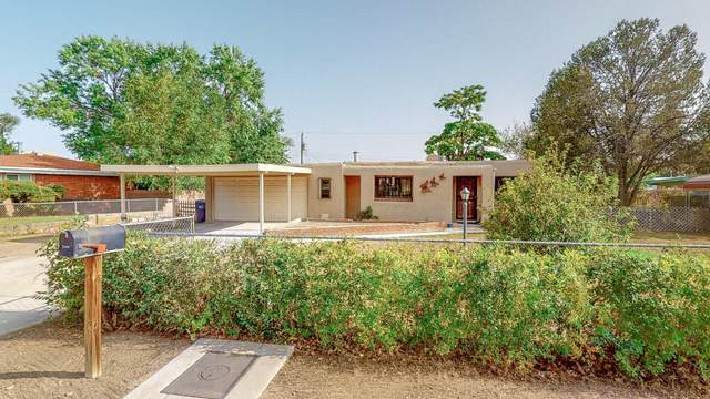 3944 Martin Road SW, Albuquerque, NM 87105 (MLS #977657) :: The Bigelow Team / Red Fox Realty