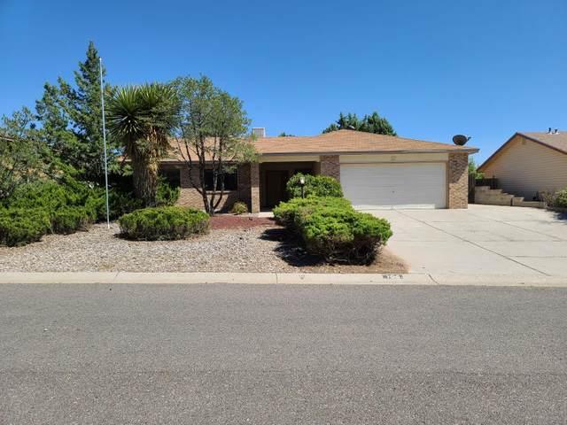 100 Idaho Road NE, Rio Rancho, NM 87124 (MLS #977707) :: The Buchman Group