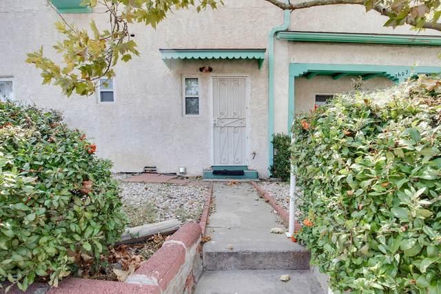 2602 Garfield Avenue SE Be, Albuquerque, NM 87106 (MLS #977719) :: The Buchman Group