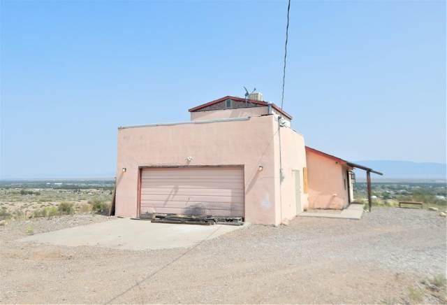 17 Golden Drive, Belen, NM 87002 (MLS #978110) :: Sandi Pressley Team