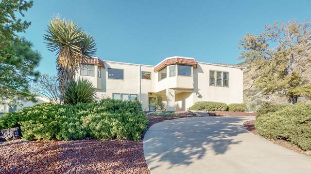 13321 Tierra Montanosa Drive NE, Albuquerque, NM 87112 (MLS #978168) :: The Bigelow Team / Red Fox Realty