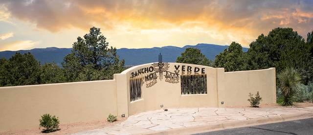 16 Los Pecos Trail, Tijeras, NM 87059 (MLS #978545) :: Berkshire Hathaway HomeServices Santa Fe Real Estate