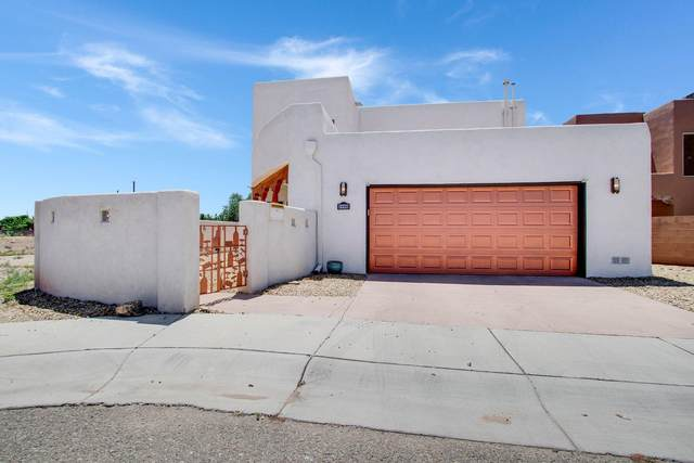 2100 San Venito Place NW, Albuquerque, NM 87104 (MLS #978691) :: The Buchman Group