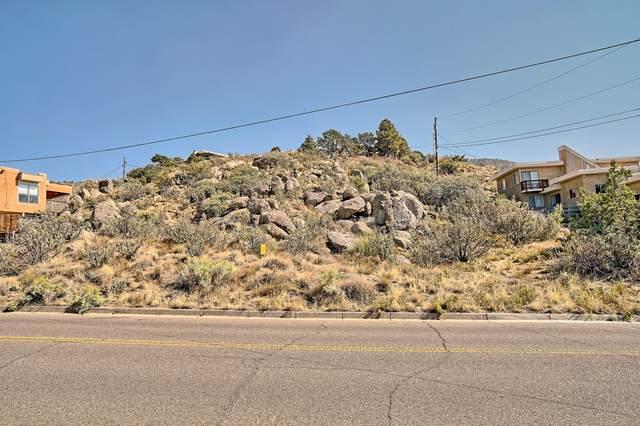 13332 Sunset Canyon Drive NE, Albuquerque, NM 87111 (MLS #978885) :: Berkshire Hathaway HomeServices Santa Fe Real Estate