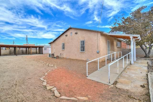 415 Gomez Avenue NE, Albuquerque, NM 87102 (MLS #978893) :: Sandi Pressley Team