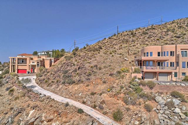 13509 Deer Trail Trail NE, Albuquerque, NM 87111 (MLS #978902) :: Campbell & Campbell Real Estate Services